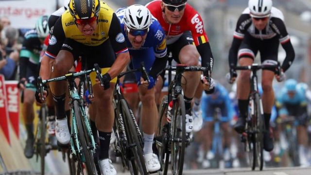 Paris-Nice #2: Groenewegen en costaud