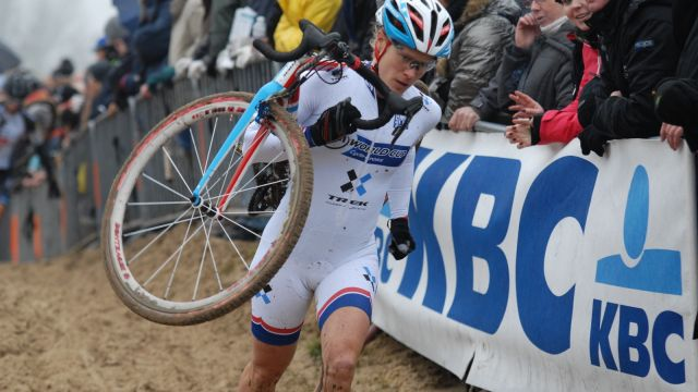 Coupe du Monde Cyclo-Cross Dames # 4 à Roubaix : Compton